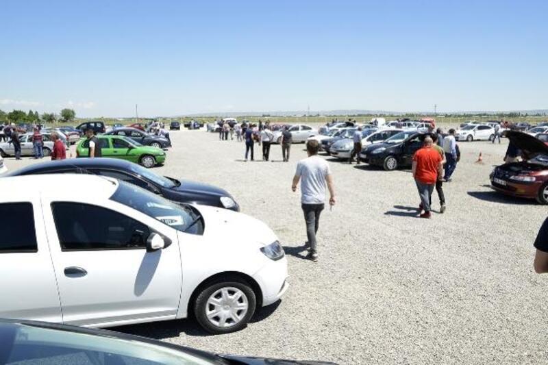 Tepebaşı ikinci el araç pazarına yoğun ilgi
