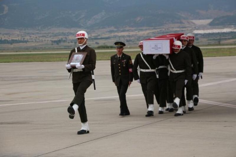 Şehit Önlemeç'in cenazesi Isparta'ya getirildi