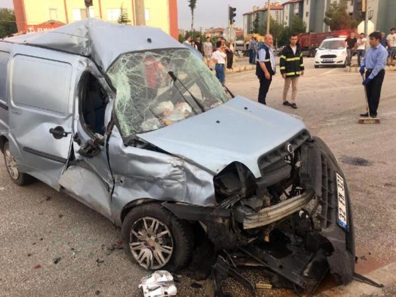 Dinar'da zincirleme kaza: 3 yaralı