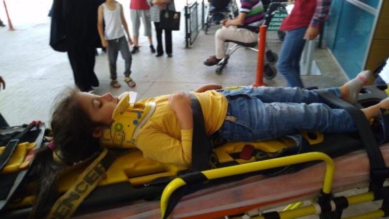 Balkondan düşen minik Seren yaralandı
