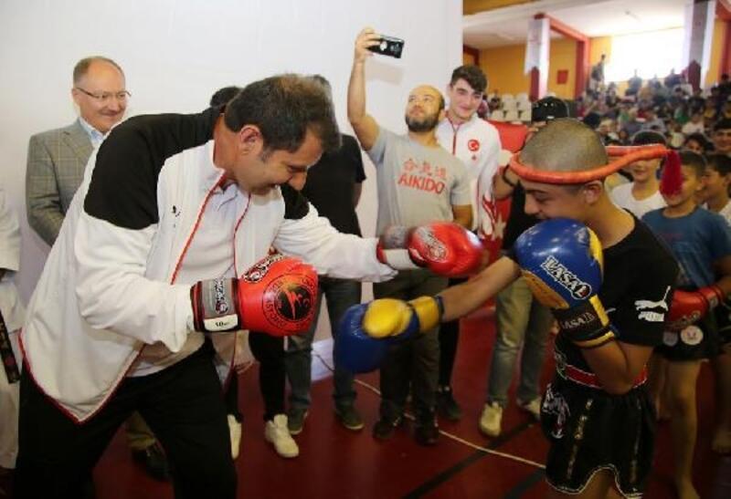 Sivas'ta spor merkezlerinin açılışı yapıldı