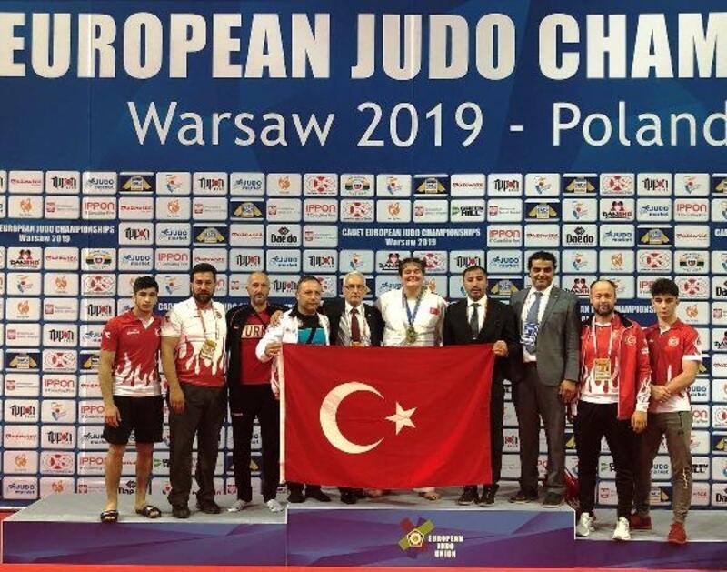 Ümitler Avrupa Judo Şampiyonası'nda Hilal Öztürk bronz madalya kazandı