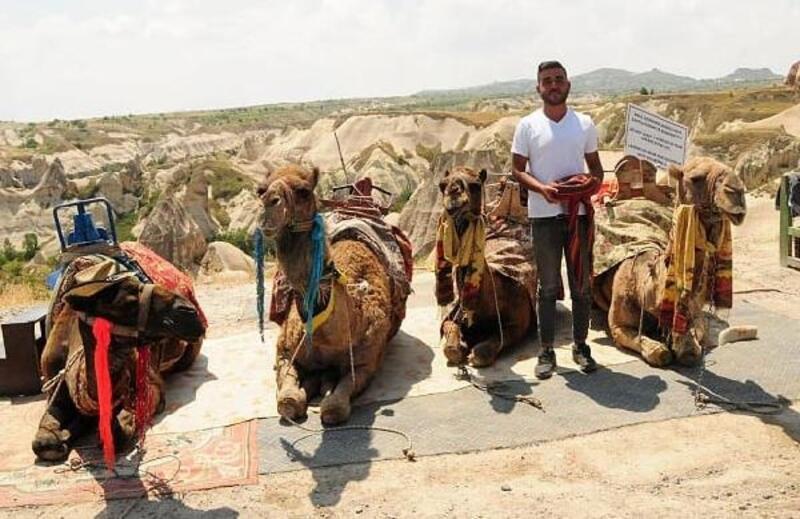 Kapadokya'da deve turlarına turistlerden yoğun ilgi