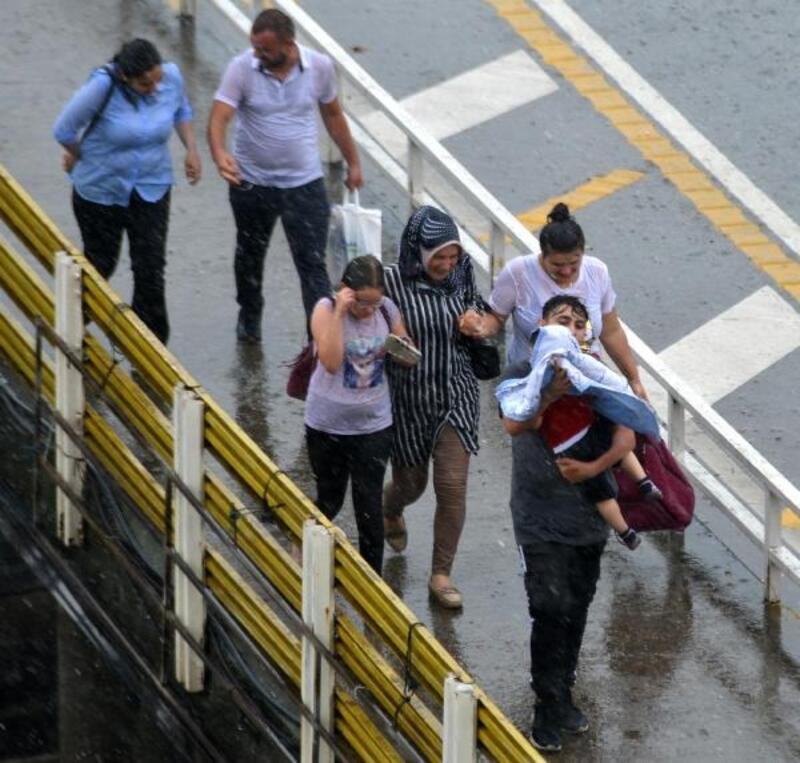Trabzon'da sağanak etkili oldu