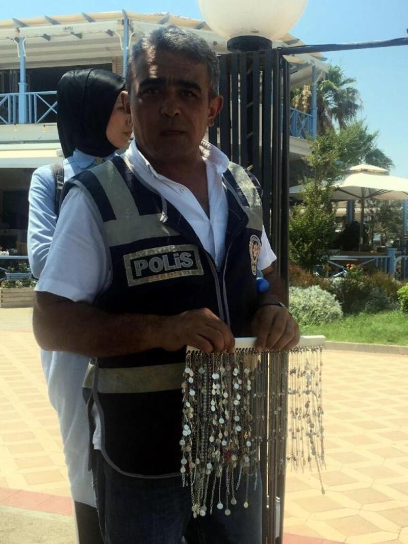 Marmaris'te seyyar satıcı ve dilencilere ceza kesildi