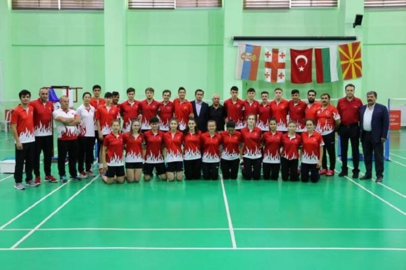 19 Yaş Balkan Badminton Şampiyonası açılış töreni yapıldı