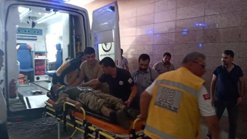 Gaziantep'te askeri araç devrildi: 2 askeryaralı