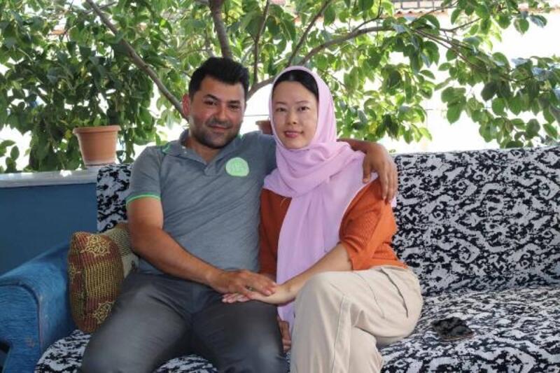 İnternetten tanışan TaylandlıSuttaduk ile Bursalı Efkanhayatlarını birleştirdi