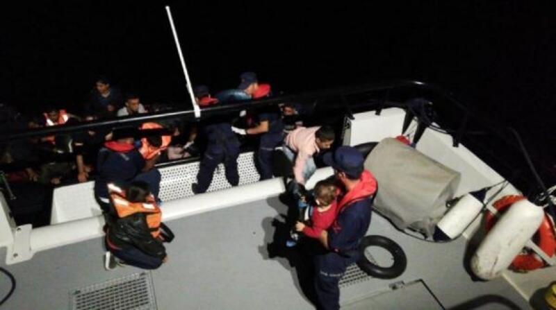 Enez'de, lastik botlarda 66 kaçak yakalandı