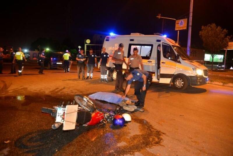 Hafif ticari araç ile çarpışan motosikletin sürücüsü öldü