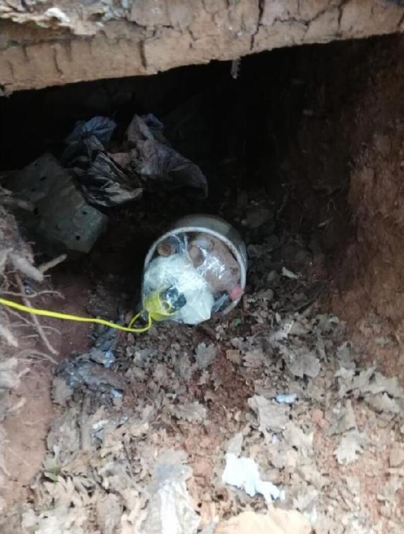 PKK'lı teröristlerin 3 sığınağı bulundu, girişinde EYP ele geçti