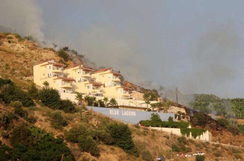 Otluk alanda çıkan yangın söndürüldü
