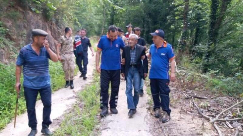 Kayıp yaşlı adam 22 saat sonra ormanda bulundu