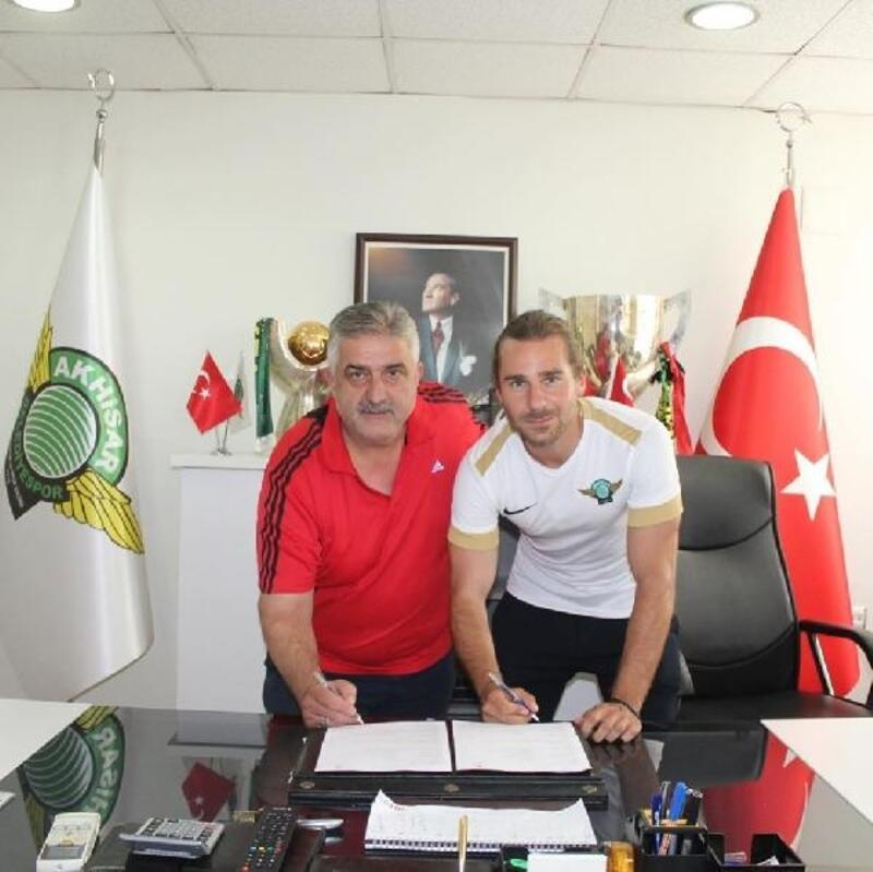 Akhisarspor'da Tolga yuvaya döndü