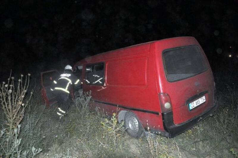 Yeni aldığı aracı ile kaza yaptı
