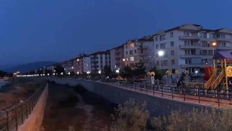 Başkan Bekler: Çivril Deresi yürüyüş parkuru aydınlatıldı