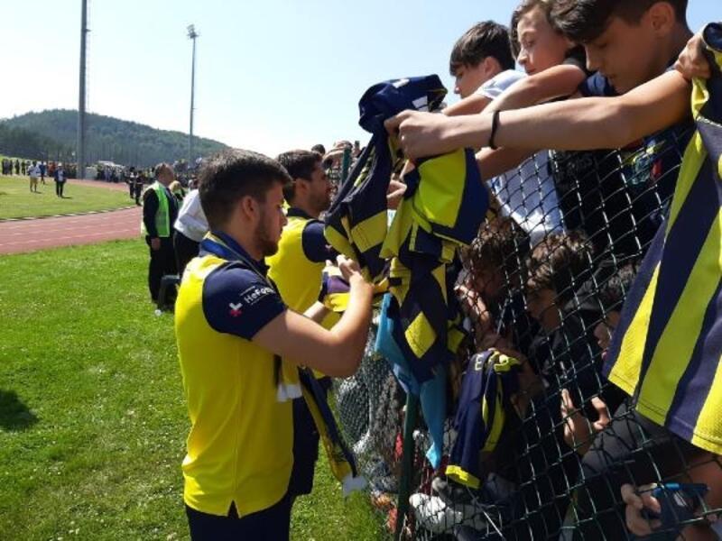 Fenerbahçe'de taraftar buluşması gerçekleştirildi