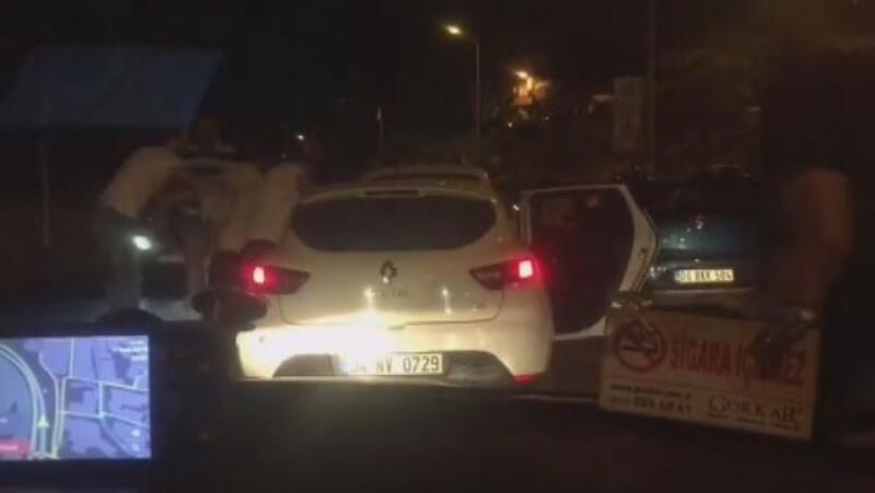 Şişli'de trafikte tartıştıkları sürücüye tekme tokat saldırdılar