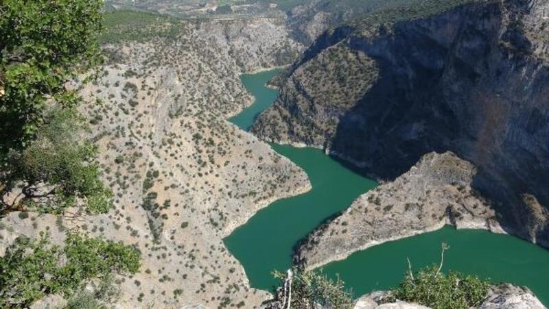 Arapapıştı Kanyonu hayran bırakıyor