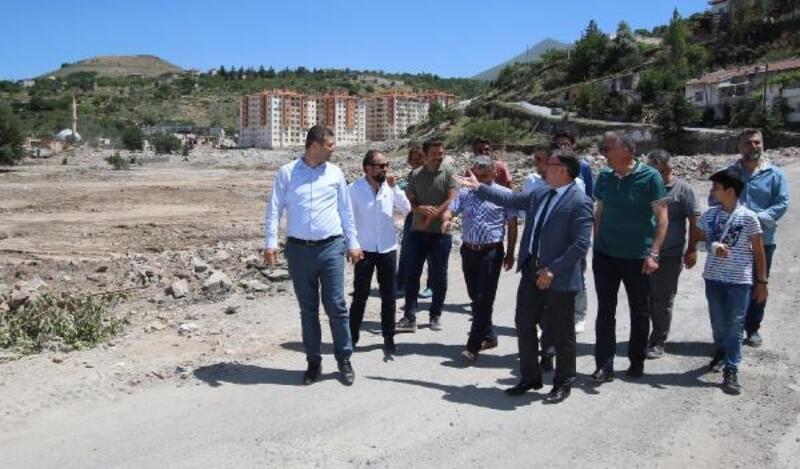 Başkan Özdoğan, okul inşaatını gezdi