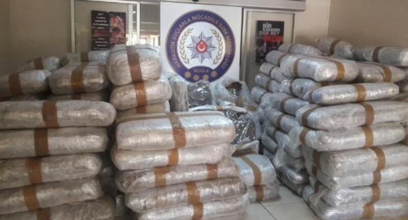 Milas'ta uyuşturucu şebekesine operasyon: 1,5 ton Skunk ele geçirildi