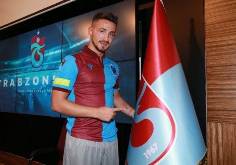 Trabzonspor'da Avdijaj ve Bilgin için imza töreni düzenlendi