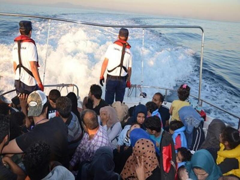 İzmir'de 50 kaçak göçmen yakalandı