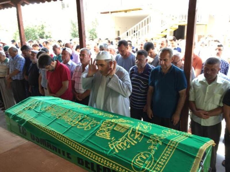 Sivas'ta kazada ölen öğretmen Osmaniye'de toprağa verildi