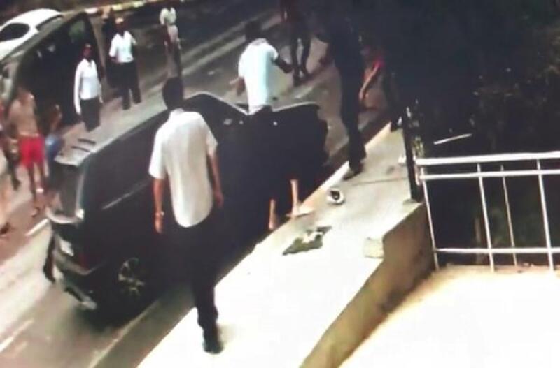 Beylikdüzü'nde trafik kazası sonrası 5 kişinin yaralandığı kavga kamerada