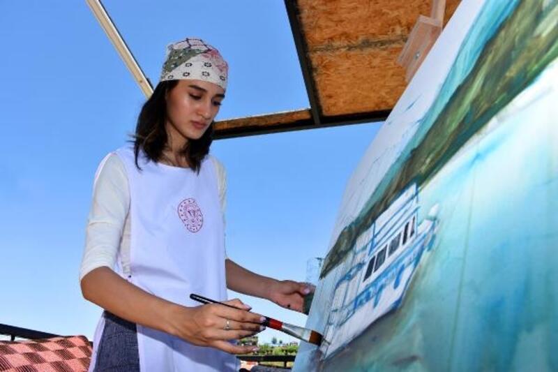 Ressamlar, tarihi Murat Köprüsü'nü çizdi