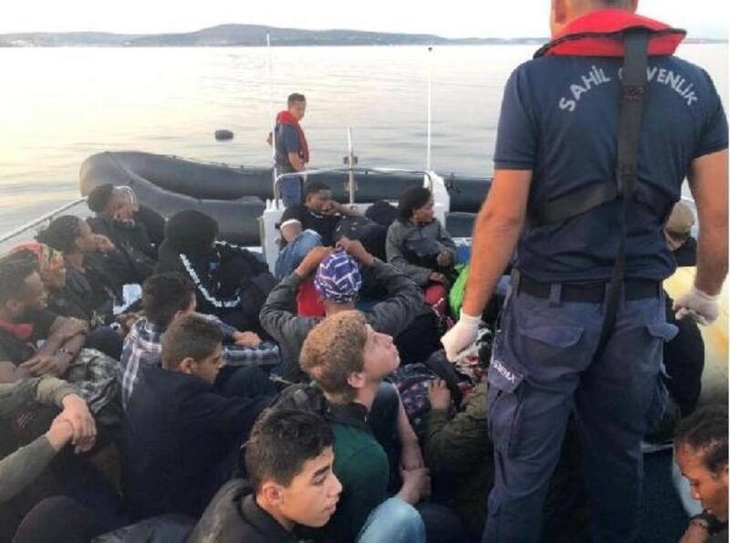 Çeşme açıklarında 33 kaçak göçmen yakalandı