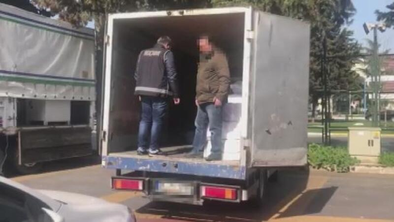Kaçak sigaraya polis baskını