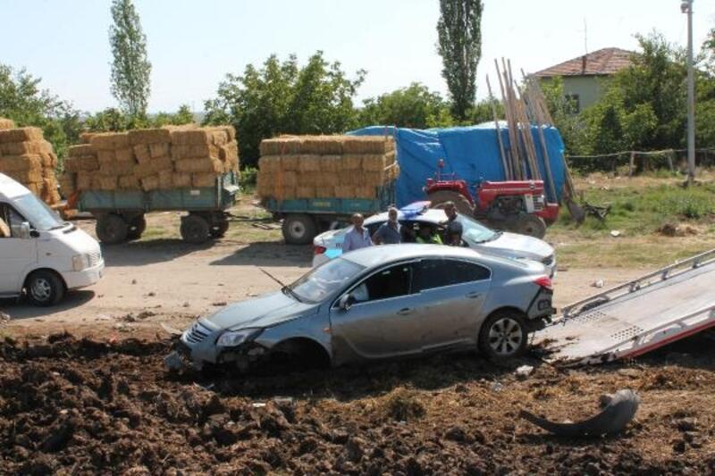 Gurbetçi ailenin otomobili devrildi: 5 yaralı