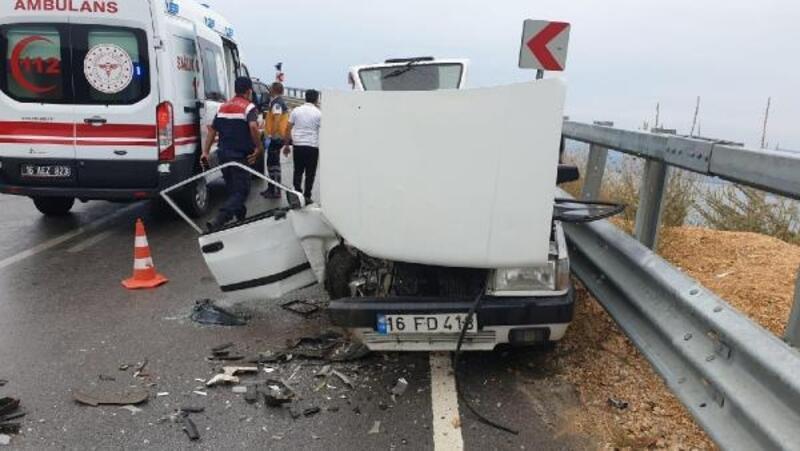 Bursa'da otomobiller çarpıştı: 6 yaralı