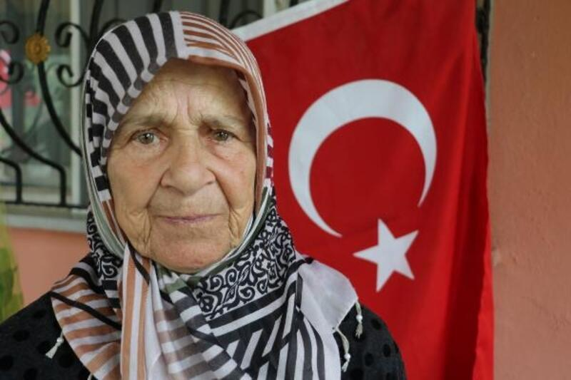 15 Temmuz şehidinin annesi : Bir Sevgi gider, bin Sevgi gelir