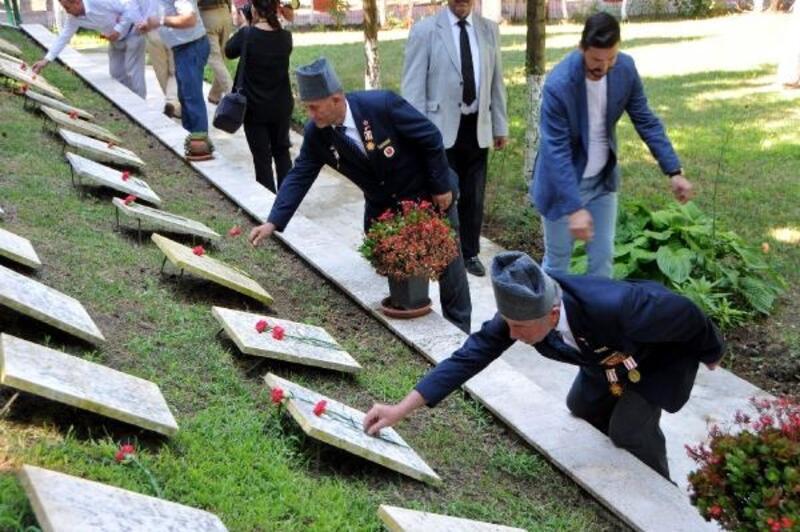Lapseki'de 15 Temmuz şehitleri anıldı