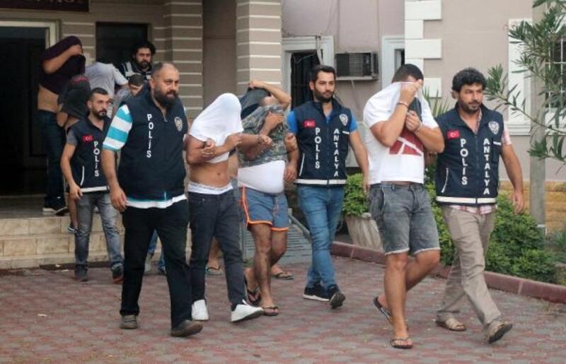 Kataloglu fuhuş çetesi operasyonunda 9 tutuklama