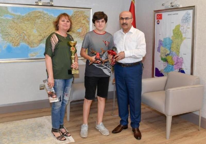 Türkiye Drone Şampiyonu'ndan, Vali Demirtaş'a ziyaret