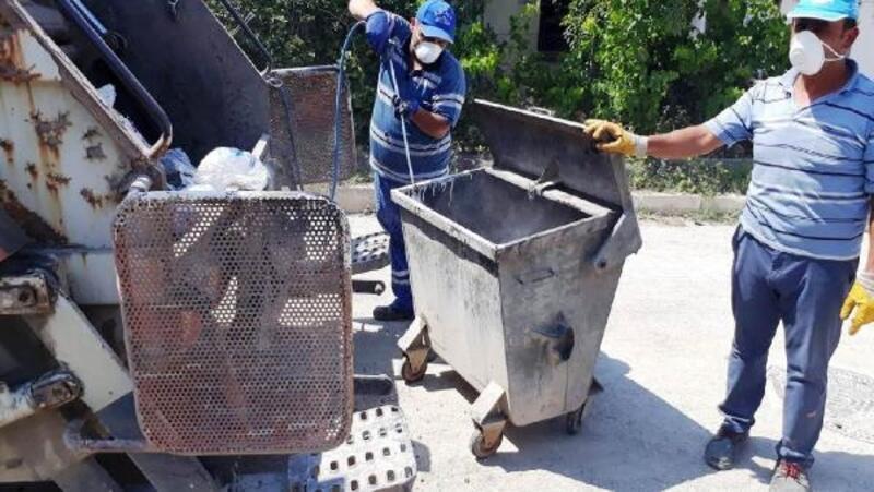 Hisarcık'ta, çöp konteynerleri dezenfekte ediliyor