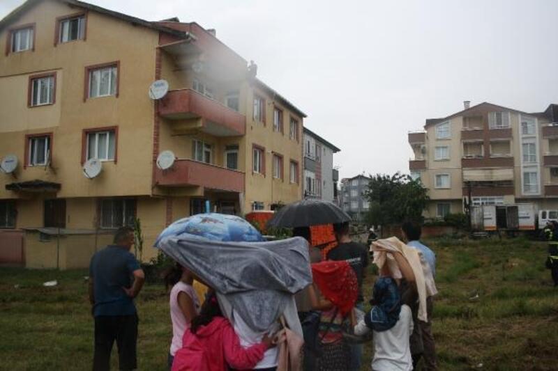 Yağmura rağmen intihar girişimini anbean izlediler
