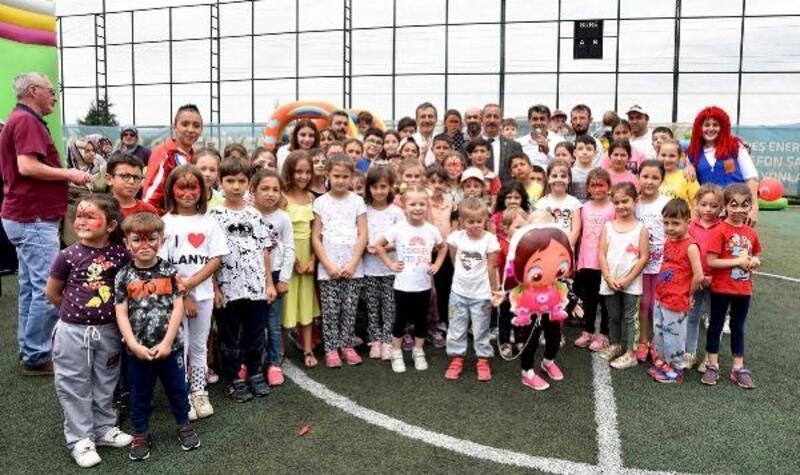 Başkan Ataç, Çocuk ve Yaz Şenliği'ne katıldı