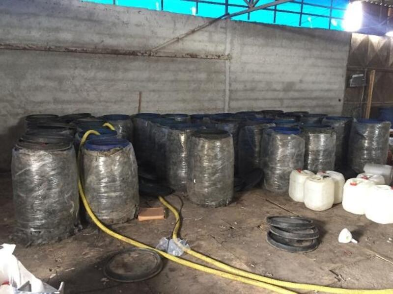 Adana'da 5 bin 400 litre sahte içki ele geçirildi