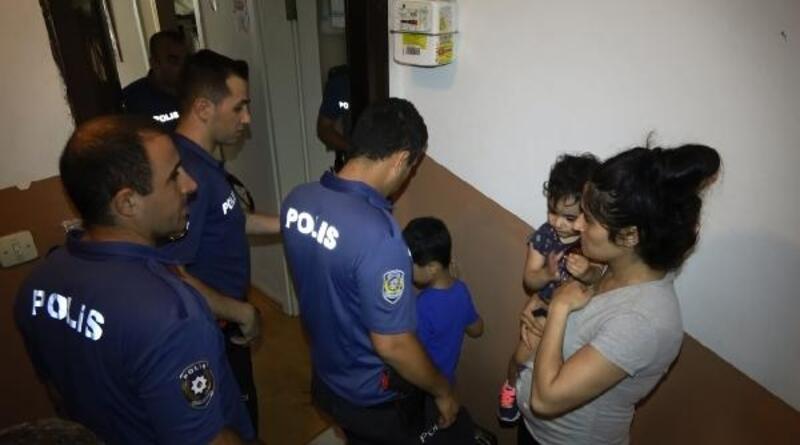 """Sultangazi'de """"evde hırsız var"""" ihbarı polisi alarma geçirdi"""