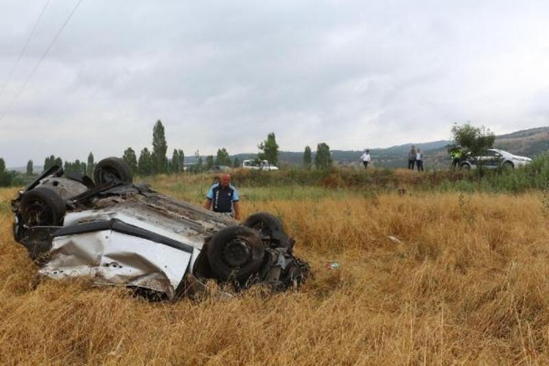 Otomobil takla attı: 3'ü çocuk 7 yaralı