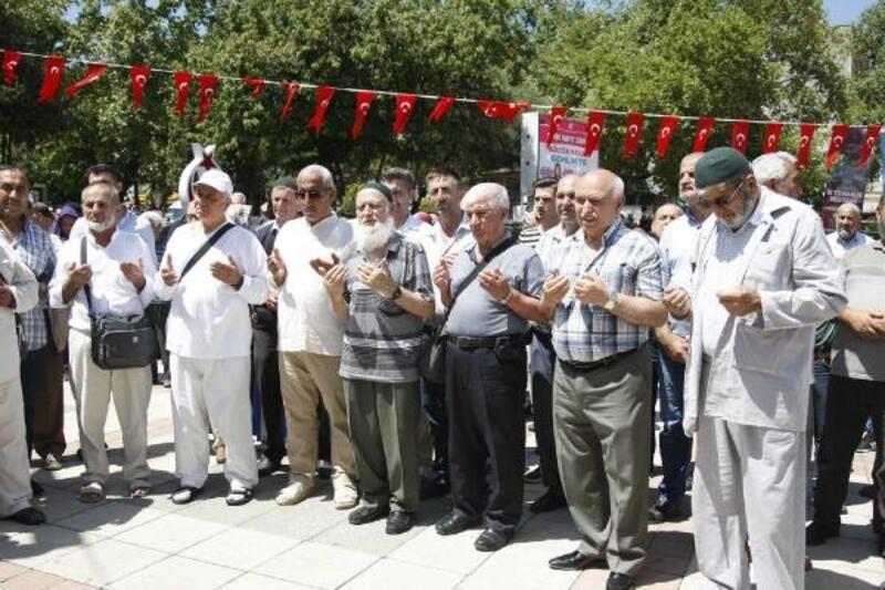 Orhangazi'de hacı adayları dualarla uğurlandı