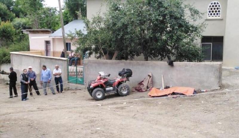 ATV, cami bahçesinin duvarına çarptı: 1 ölü, 1 yaralı