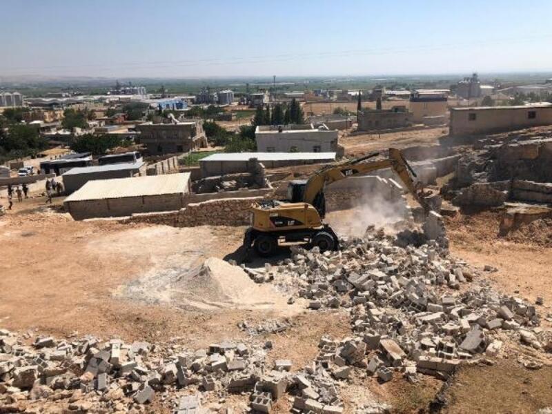 Şanlıurfa'da 4 kaçak yapı yıkıldı