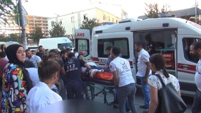 Esenyurt'ta yer tartışması kavgaya dönüştü: 1'i ağır 2 yaralı