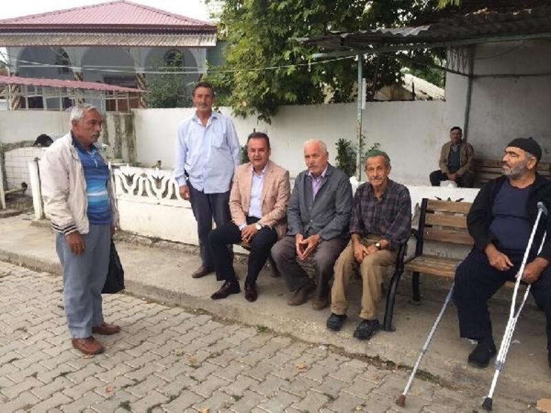 Erbaa Kaymakamı Karacan, köy ziyaretlerinde