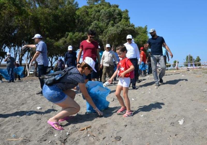 Kazanlı sahilinde carettaların yuvalama alanı temizlendi